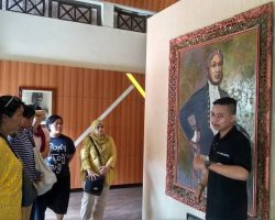 Listen to the stories of Kartini, Japara's past and Sosrokartono at Museum Kartini, Jepara (2)