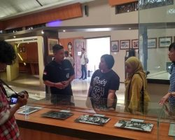 Listen to the stories of Kartini, Japara's past and Sosrokartono at Museum Kartini, Jepara (6)